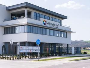 Facility reklamy na budovu firmy